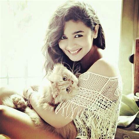 cat girl actress top 10 bollywood actresses on instagram you should follow