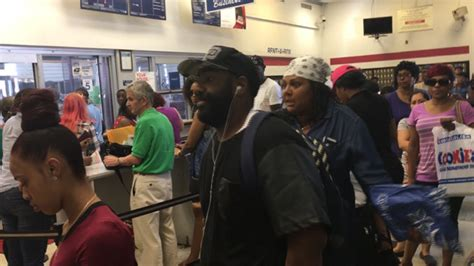 Bushwick Post Office by Worst Post Office In Nyc Customers Wait For Hours