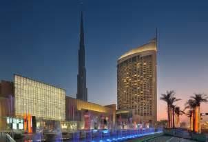 Downtown Dubai With The Dubai Shopping Mall On The Left Get 50 On Dinner