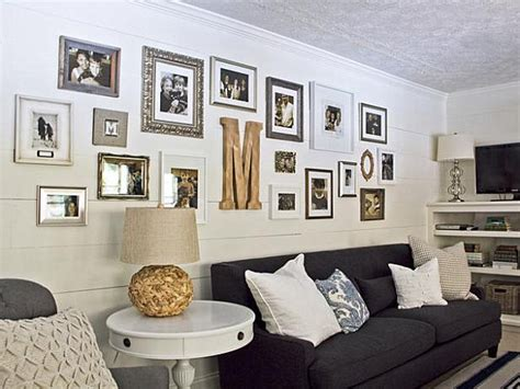 decorating a long wall creative gallery wall ideas
