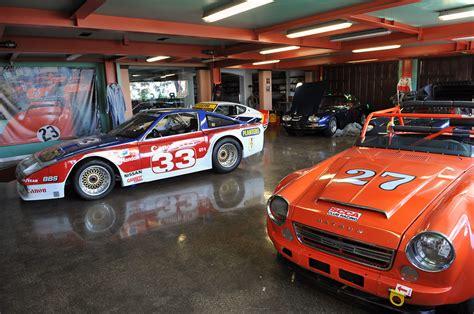 autoblog gets a peek inside adam carolla s garage