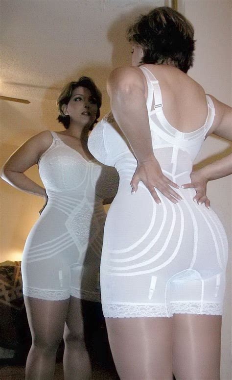 women in girddles 981 b 228 sta bilderna om shapewear girdles p 229 pinterest