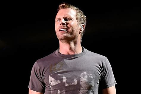dierks bentley son dierks bentley s advice from his dad look sharp be sharp