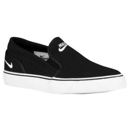 Casual Slip On Pria Nike Black slip on nike shoes nike toki slip s casual shoes black white sku 24770010