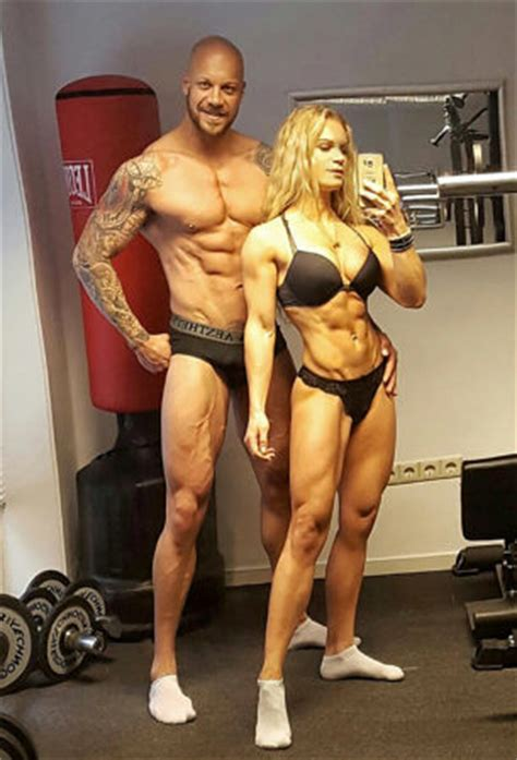 www builder com power couple mum sheds pregnancy weight to become body