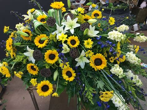 Sprei Sun Flower 17 best images about sympathy on green plants