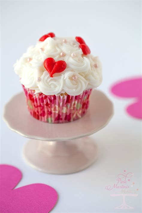 valentines day cupcake make ahead frozen buttercream cake decorations