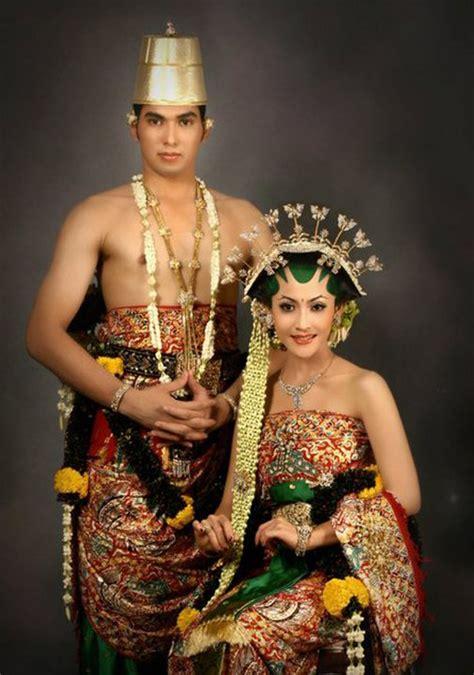 gaun pengantin solo contoh baju kebaya adat jawa new style for 2016 2017