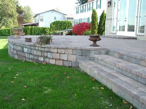 Building A Raised Patio With Retaining Wall by 31 Best Images About Paver Retaining Wall On