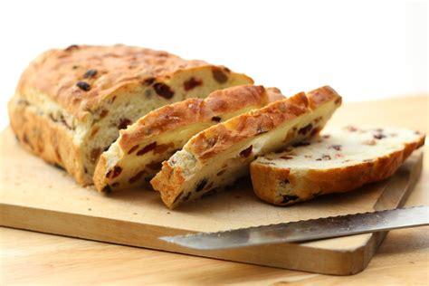 dolce fatto in casa pane dolce all uvetta fatto in casa tomato