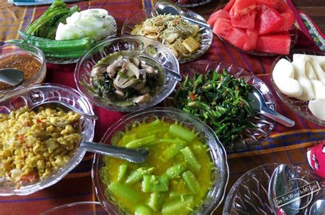 local vegetarian food of myanmar burma seetheworldinmyeyes