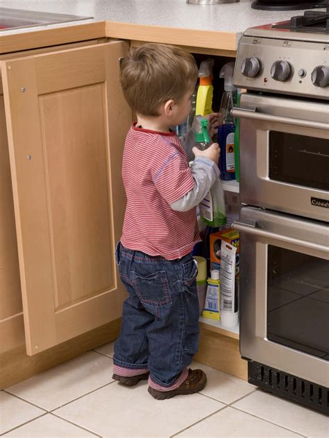 Essential Knives For The Kitchen by Child Safety Goes Down The Pan As British Parents Ignore