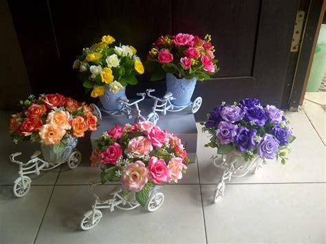 Set Flower Putih pondok dahar lauk jogja bunga rangkai kecil tabletop lauk jogja small tabletop artificial