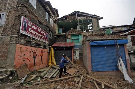 earthquake vietnam strong earthquake shakes buildings across south asia