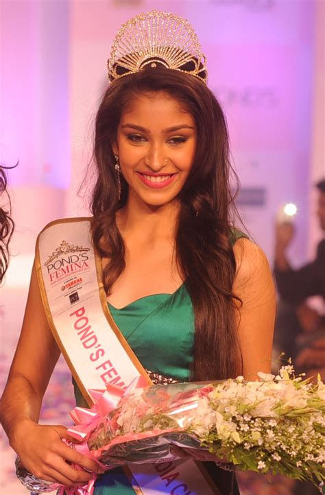 contest india 2013 pond s femina miss india world 2013 navneet kaur dhillon
