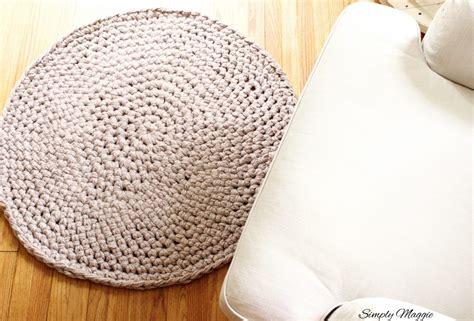 crochet a rug how to crochet a large circular rug simplymaggie