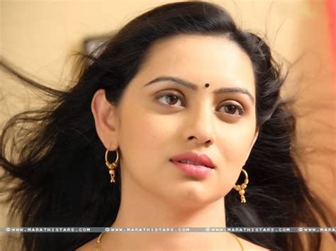 shruti marathe actress marathi actress wallpaper wallpapersafari