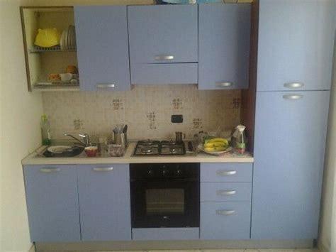 cucina mercatone uno dotata  forno  frigo classe