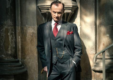 mycroft holmes mark gatiss mark gatiss ma vie en l air