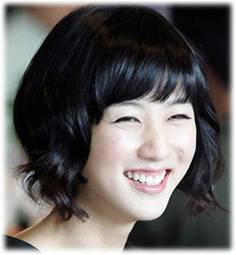 videos korean girls get new short haircuts in salon new korean hair style 2013 korean short hairstyles for