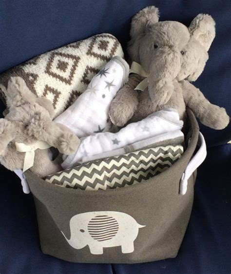 Elephant Baby Shower Gifts by Best 25 Baby Gift Baskets Ideas On Baby