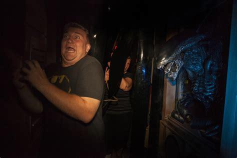 terror nights haunted house image gallery halloween horror nights avp