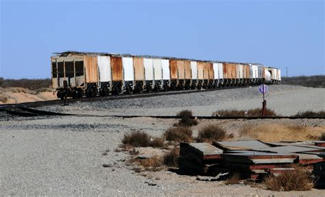 railroad pictures abandoned railroad cars free stock photo domain pictures