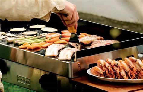 cuisiner avec une plancha plancha une cuisson saine et di 233 t 233 tique pour vos grillades