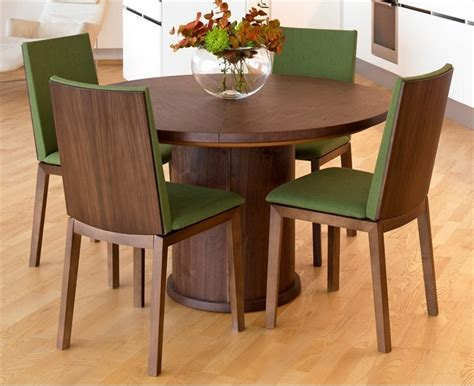 trendy expandable  dining table  skovby digsdigs