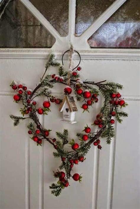 easy christmas decorating ideas by country sler decorare con ramo di pino 29 idee fai da te da vedere