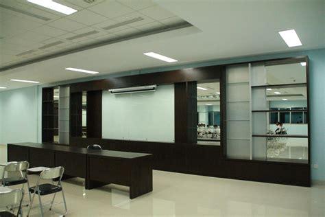 Jasa Interior Kantor jasa interior design ruang kantor surabaya oleh titikkoma adv