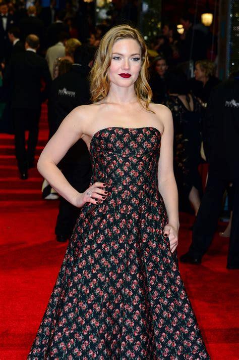 pics baftas red carpet photos holliday grainger on red carpet at bafta awards in london