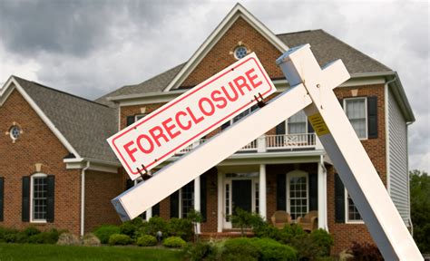 buying a foreclosed house the keys to buying foreclosure properties in 2016