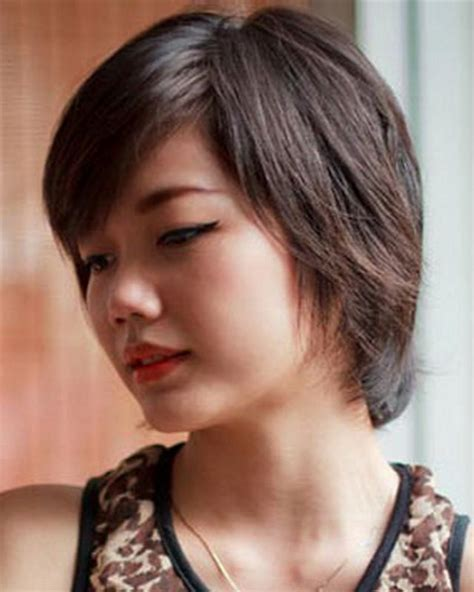 good haircuts for thick hair round face short hairstyles for round faces and thick hair