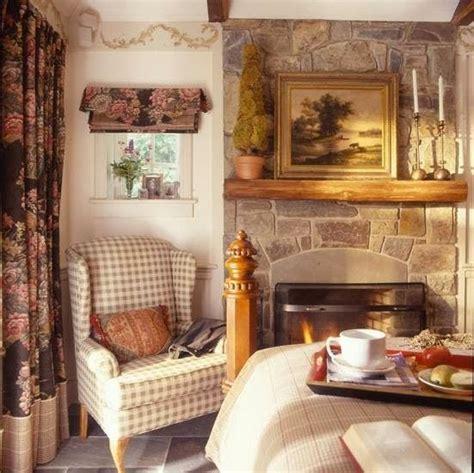 soothing cottage bedroom   love cottage