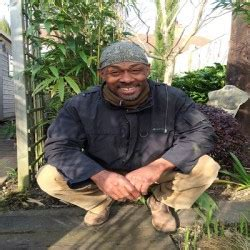 The Tradesmen Gardener book a builder uk the black gardener profile