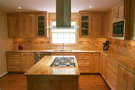backsplash with maple cabinets kitchen backsplash ideas with maple cabinets maple