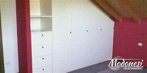 armadio su misura mansarda armadi su misura in legno di falegnameria modonesi