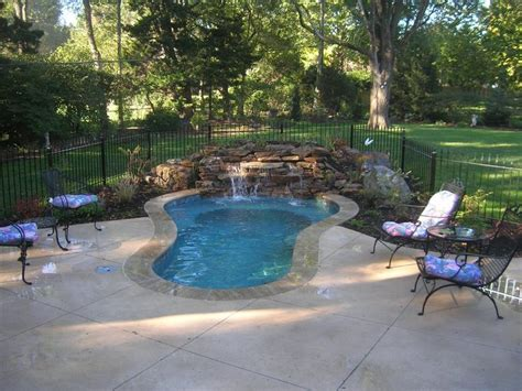 small yard pools 269 best small inground pool spa ideas images on pinterest