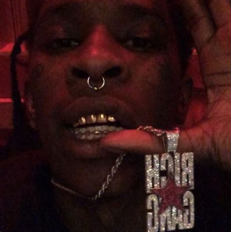 young thug wet wet my jewelry wet baby bring me some napkins cash talk