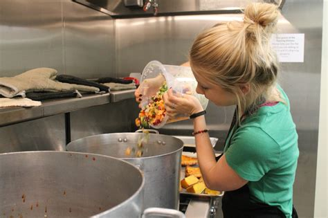 Lenoir Rhyne Mba Asheville by In Photos Unc Asheville Effort Whips Up 500 Meals For