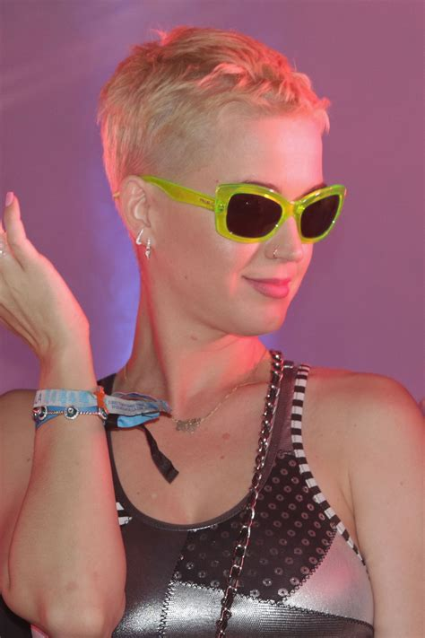 17 best images about pixie katy perry on pinterest pixie cuts celebrity pixie cuts inspiration