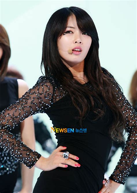 hyuna looks fancy in her new clriden photoshoot koogle tv 4minute s hyuna to make a solo comeback next month