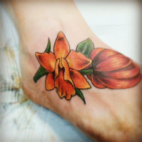 tulipano fiore significato tatuaggi fiori il tulipano significato e foto tatuaggi