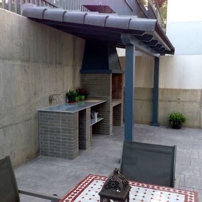 construir tejado  barbacoa en patio carrion de