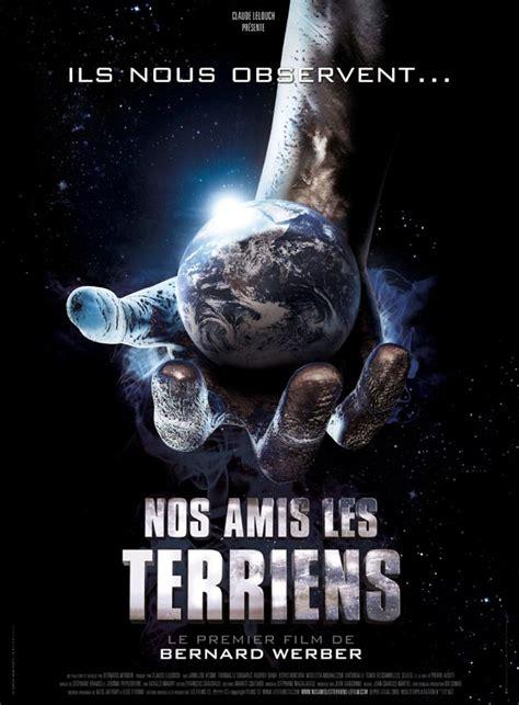 film robot et extraterrestre affiche du film nos amis les terriens affiche 1 sur 1