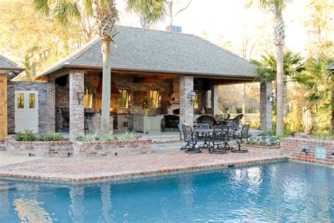 lake at white oak outdoor kitchen traditional pool