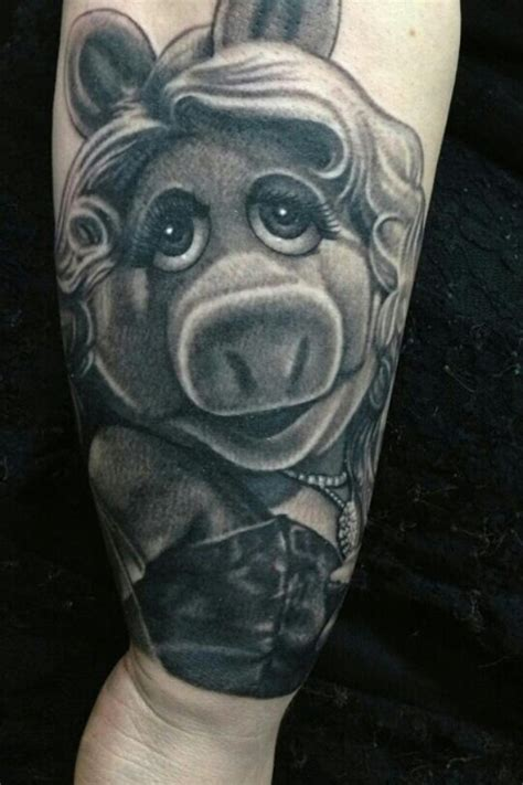 miss piggy tattoo 11 marvelous miss piggy tattoos
