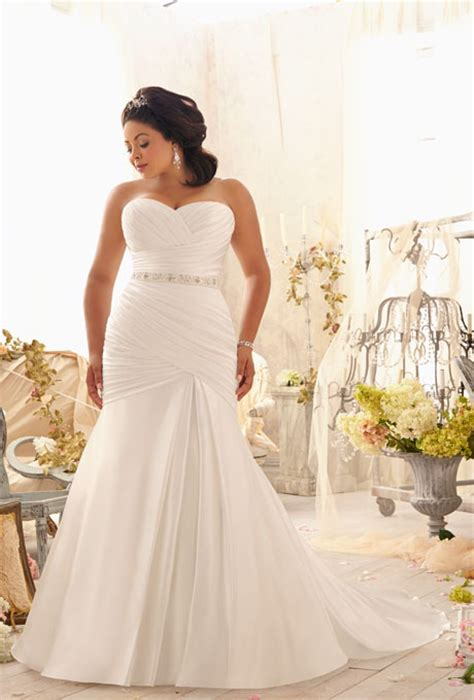plus size wedding designer dresses fashions runway