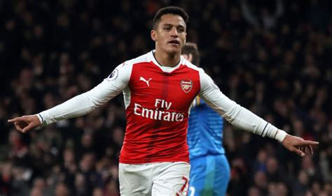 alexis sanchez vs southton arsenal news alexis sanchez can t wait to see his dogs